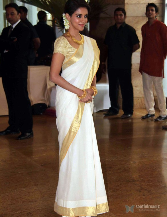 Asin at Genelia Ritesh Wedding Ceremony 586x763 Asin is a liar, lashes out director Rohit Shetty