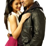 Vikram woos Amy Jackson in the Thames