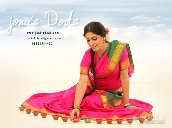 indian model actress portfolio wallpapers 14 586x439 Jonita Doda