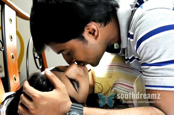 Nani Locking Samantha Lips Tamil Cinema   Hits and Flops of 2012