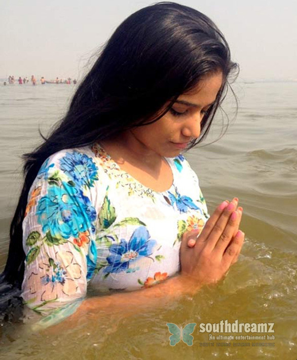 Sex Bomb takes Holy dip Poonam Pandey takes dip in Holy Water