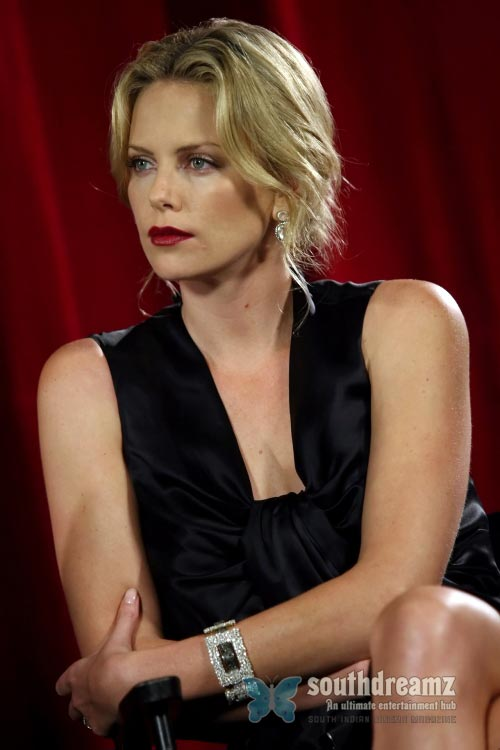 actress charlize theron latest photo Top 100 sexiest actresses in the World