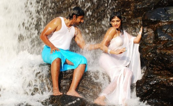 Hari Priya Hot And Wet Photos in Yuvakudu 1036 586x362 Hari priya Hot Wet Song in Yuvakudu