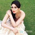 Beautiful-Poetic-Look-Of-Married-Heroine-kareena