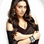 hot-indian-glamour-actress-hansika-motwani-in-biriyani-with-karthi-love-making-stills-2