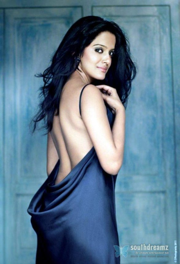 spicy indian actress vishakha singh hot glamour photo shoot 1 586x856 Vishaka Singh signs next hindi film