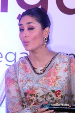 hindi-model-actress-kareena-kapoor-sexy-photos-23