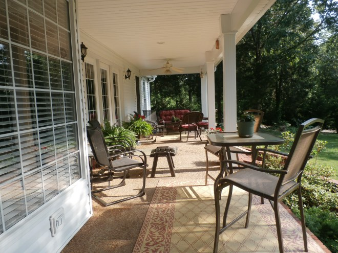 easy porch makeover with Rustoleum metallic paint
