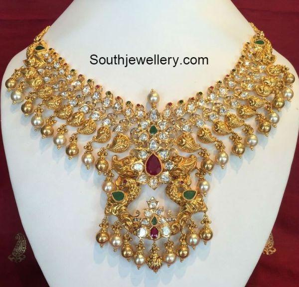 mango_pacchi_necklace_gold