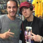 """Eminem Visits Comic Store in Argentina. Answers a Question """"Marvel or DC?"""" (+6 New Pics)"""