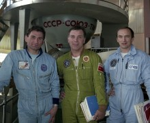 Aleksandr Serebrov (center), flanked by Vasili Tsibliyev (left) and Jean-Pierre Haigneré, during Soyuz TM-17 training. It was Serebrov's fourth and final space mission (Credits: Joachim Becker/SpaceFacts.de).