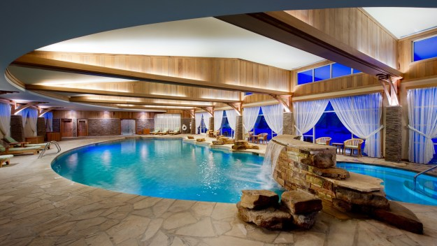 Lodge Pool, Skaná, The Spa at Turning Stone Resort, Spas of America
