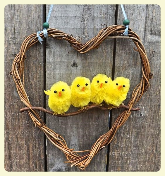 Easter wreath - chicks in a heart. Featured by LE CHEMIN ABA, learning house for children with autism and other special needs, in Paris, France.