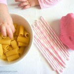 Creative & fun play with straws