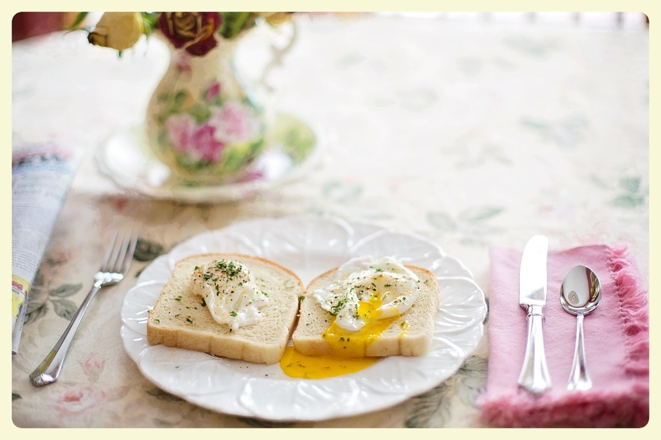 Poached eggs on toast. Family breakfast in bed. Featured by Special Learning House. www.speciallearninghouse.com..jpg