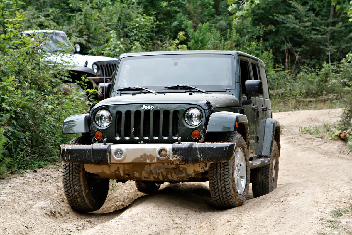 2011 jeep wrangler sahara unlimited. Black Bedroom Furniture Sets. Home Design Ideas