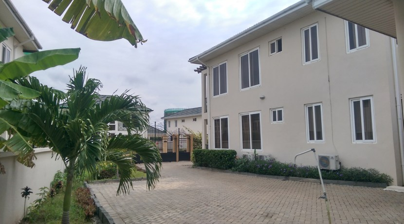 au_village_cantonments_accra_ghana_house_home_to_let_rent_gated_community_labone_secure_security_sphynx_property_consultants_agents (18)