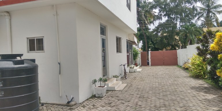 rent_to_let_office_space_accra_ghana_labone_cantonments_sphynx_leon_auguste_house_home_property_partitioned_divisions_internet_wired_safety_exits_sale( (3)