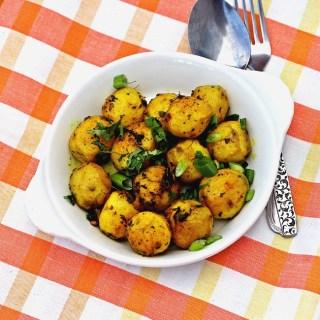 Turmeric and Thyme Potatoes