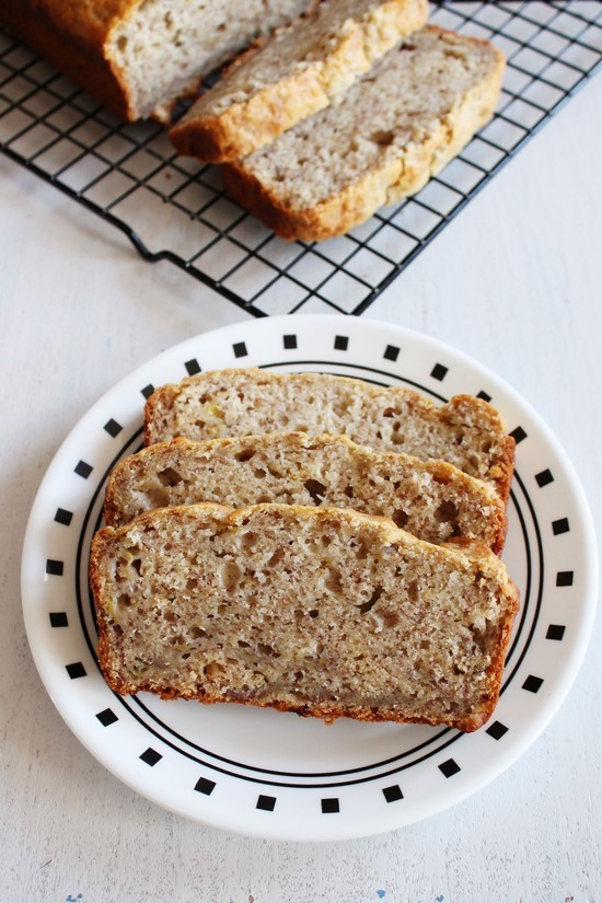how to make eggless banana bread
