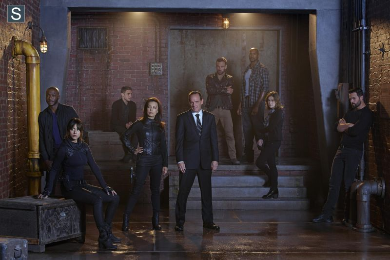 Agents of SHIELD - Season 2 - Promotional Cast Group Photo_FULL