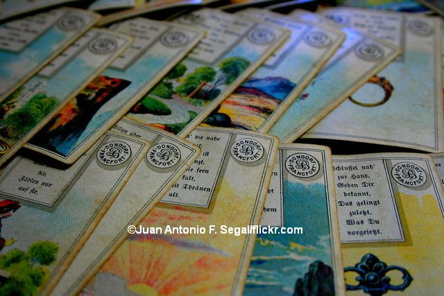 Kartenlegen_allg_Juan_Antonio_F_Segal_flickr_COK