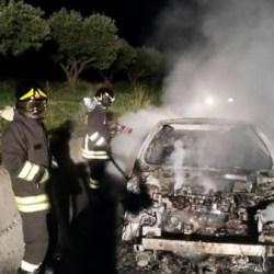 SQUILLACE auto bruciata