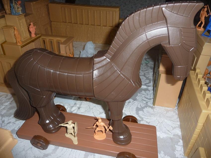 Toys For Troy : Erwin s trojan horse playset stad stuffstad stuff