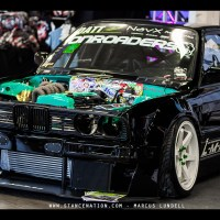 2JZ stuffed in this BMW E30..