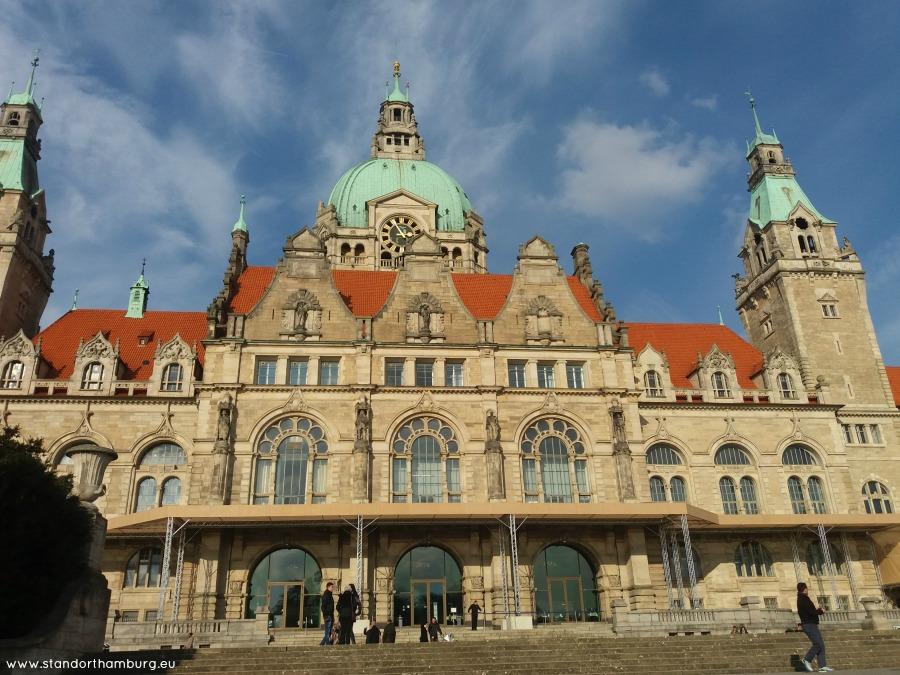 Neues Rathaus in de zon - Standort Hamburg