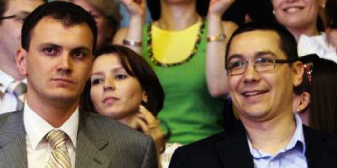 Ponta şi Ghiţă, agenţi acoperiţi, au detonat voit PSD?
