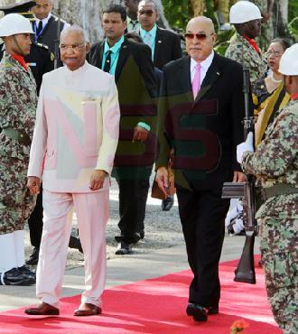 Starnieuws - Balans na 1 jaar bezoek Indiase president