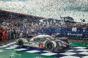 Porsche wint Le Mans (video)