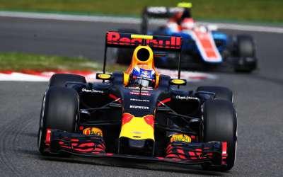 """Max eindigt buiten de punten in Spa: """"Geen geluk in de race"""""""