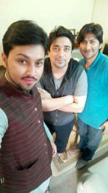 UpSKill team members; Zeeshan and Abdul Basit after click a selfie after partnering with Hisham Sarwar (middle). Image credits: UpSKill