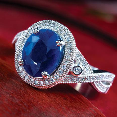 Bombshell Blue Sapphire & DiamondAura Ring