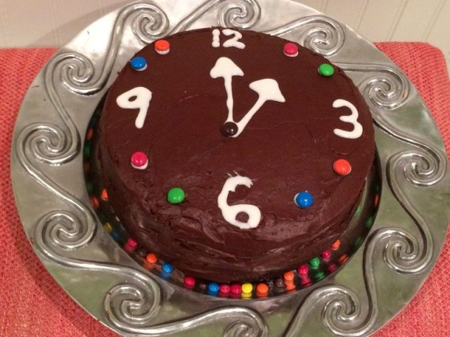Cake New Year Recipe : New Years Eve Chocolate Cake Recipe--Into a clock cake