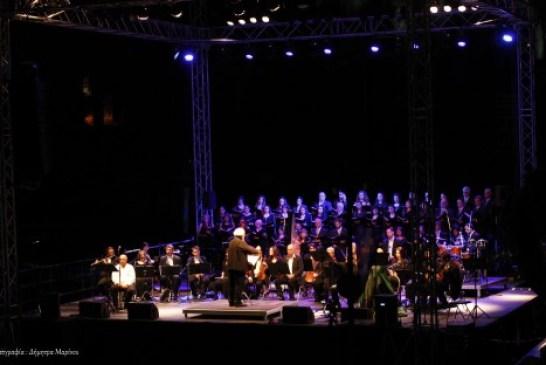 """Η Χορωδία """"ΟΡΦΕΑΣ"""" Τρίπολης συμμετείχε στην μεγάλη συναυλία του Γιάννη Μαρκόπουλου στην Αρχαία Ολυμπία"""