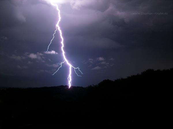 Blitz über dem Bad Oldesloer Kurpark