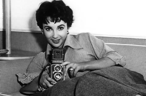 Celebrities with Their Vintage Cameras (32)