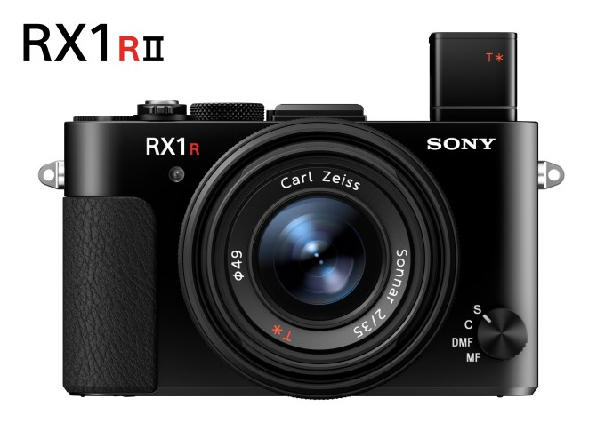 DSC-RX1RM2_RX1R-II_front_evf_wLogo