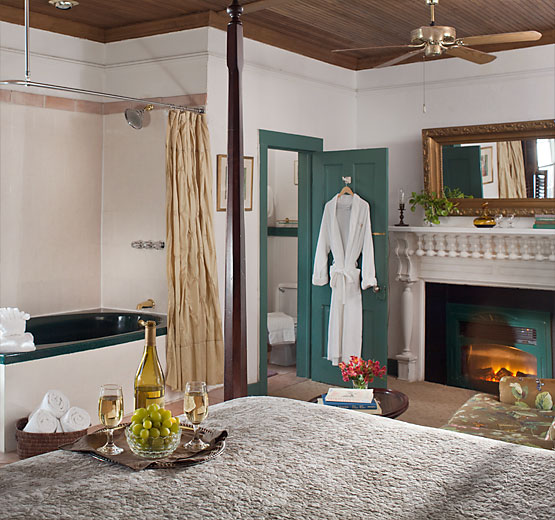 Balcony Room whirlpool tub and fireplace