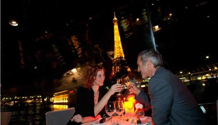 Romantic dinner Cruise in Paris for NYE 2016