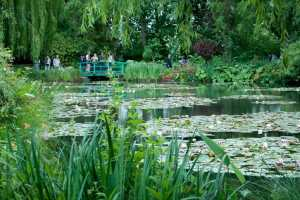 Monet's house and garden at Giverny - 1 hour from Paris