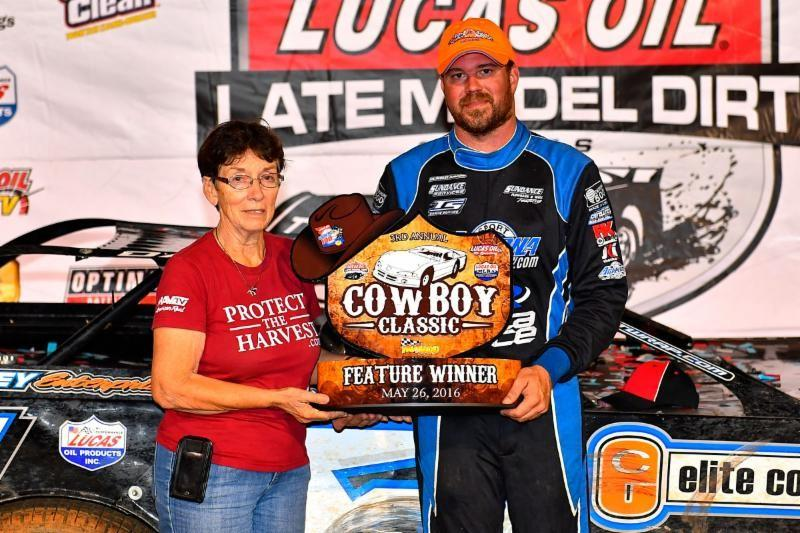 Davenport Claims Cowboy Classic at Lucas Oil Speedway