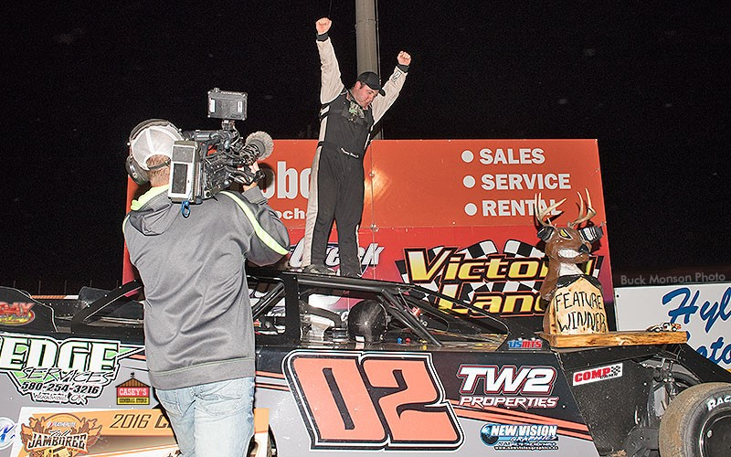 Weder on top of Modified world, wins 18th Annual Featherlite Fall Jamboree
