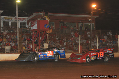 Dennis Erb, Jr. outruns Shannon Babb for win at Clarksville! - Drew England Photo