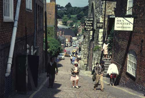 Conduit Hill (1980) with the Cinque Ports Pottery on the right