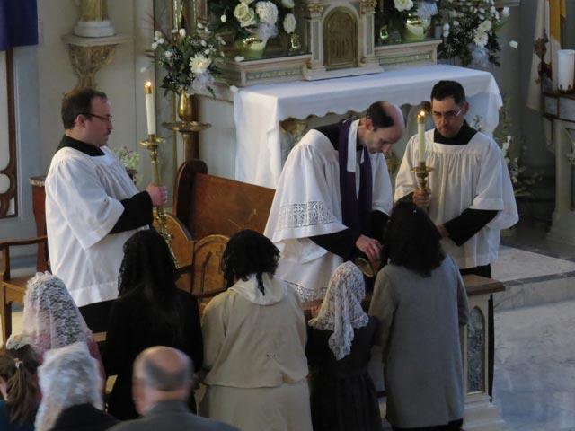 venerating the relic of the true Cross