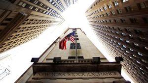 New-York-Stock-Exchange-Building-Looking-Up12